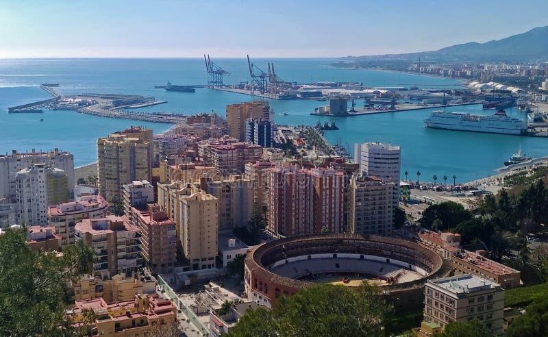 Opinión escénica de la ciudad de Málaga imagen de archivo