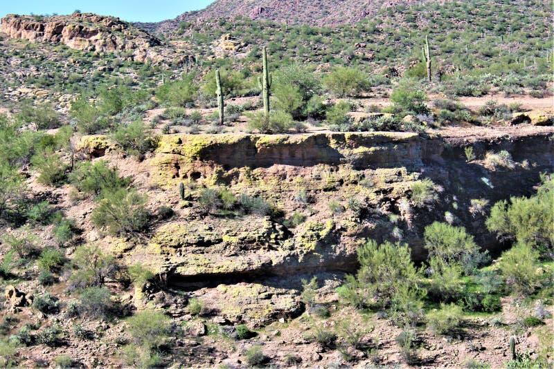 Opinión escénica del paisaje de Mesa, Arizona a las colinas de la fuente, el condado de Maricopa, Arizona, Estados Unidos imágenes de archivo libres de regalías