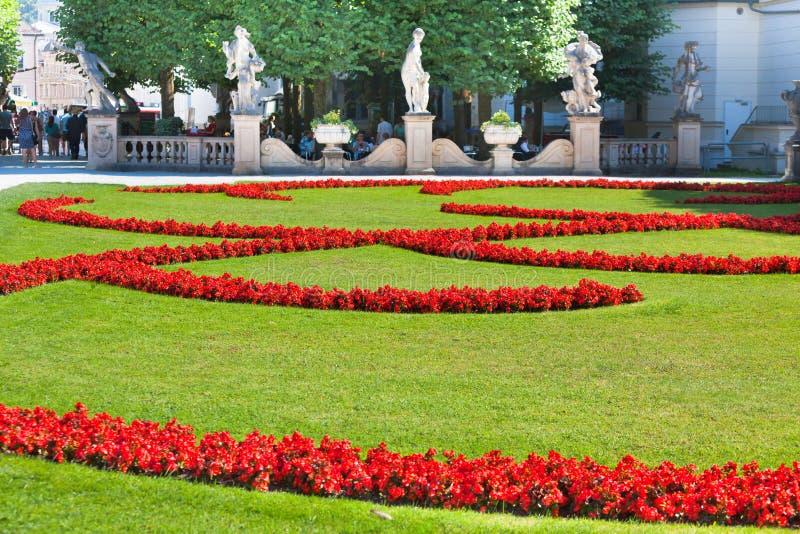 Opinión famosa del jardín de Mirabell en Salzburg, Austria imagen de archivo libre de regalías