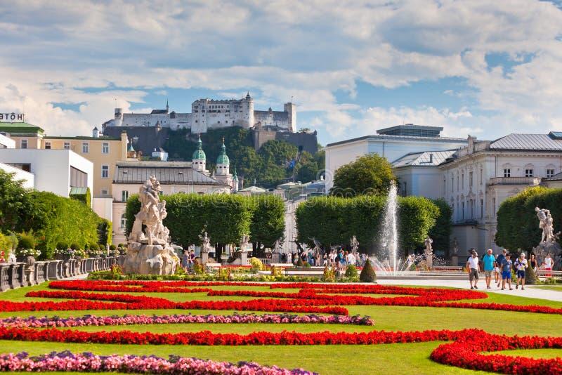 Opinión famosa del jardín de Mirabell en Salzburg, Austria foto de archivo libre de regalías