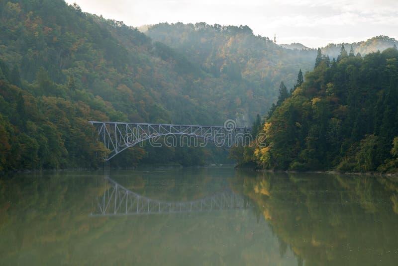 Opinión Fukushima Japan del puente del follaje de otoño del otoño primera foto de archivo libre de regalías