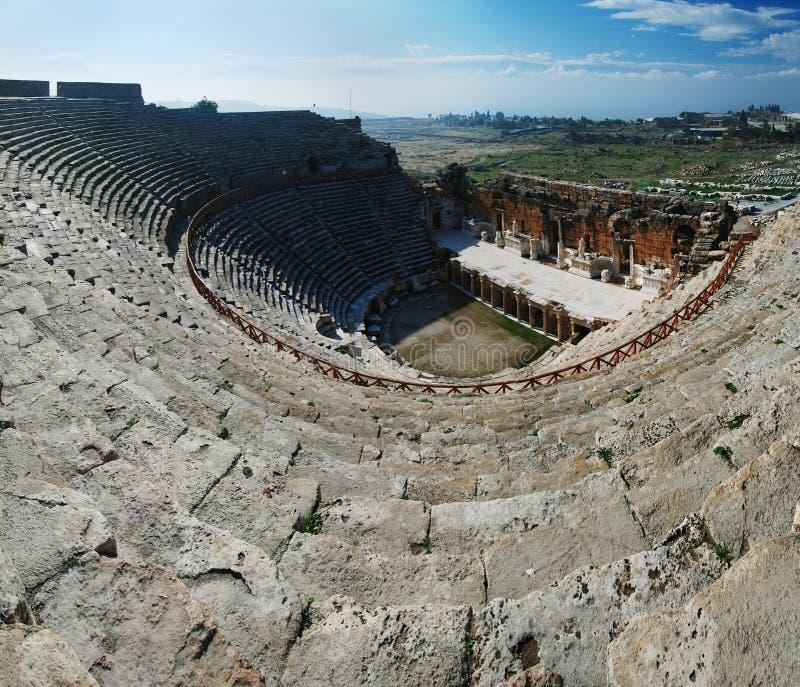 Opinión granangular del anfiteatro de Hierapolis foto de archivo libre de regalías