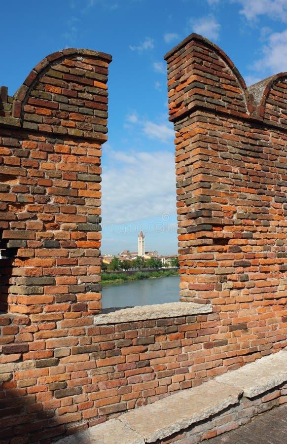 Opinión hacia Basilica di San Zeno en Verona imágenes de archivo libres de regalías