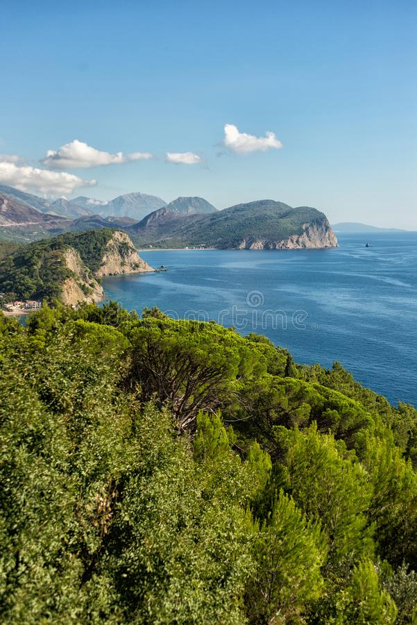 Opinión hermosa de la costa, mar adriático, Montenegro fotografía de archivo