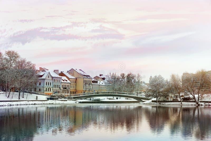 Opinión hermosa del invierno de la ciudad vieja minsk belarus foto de archivo