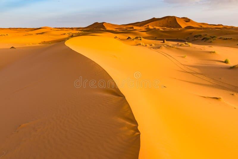 Opinión hermosa del paisaje del ergio Chebbi, Sahara Desert, Merzouga, Marruecos de las dunas imágenes de archivo libres de regalías