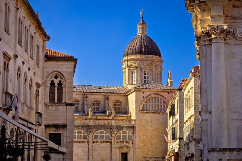 Opinión histórica de la arquitectura de la calle de Dubrovnik la suposición Cathe imagen de archivo libre de regalías