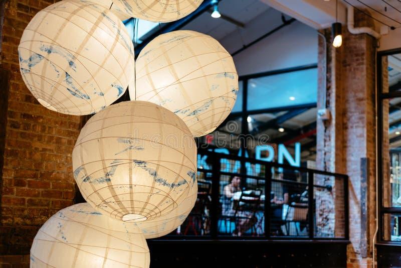 Opinión interior Chelsea Market en Nueva York fotos de archivo