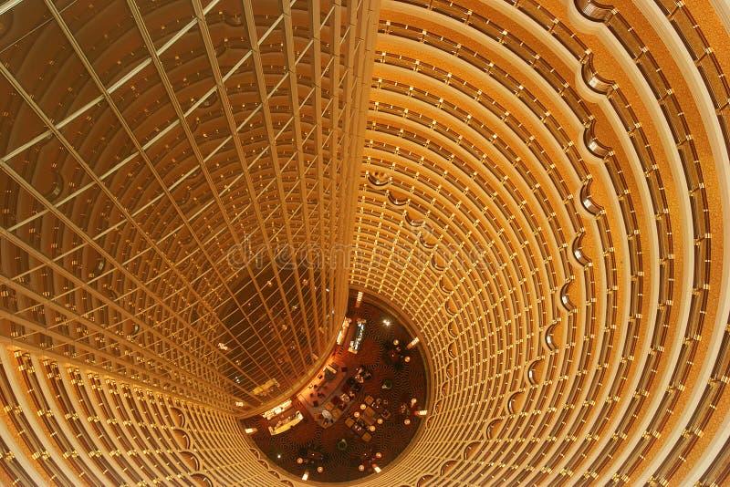 Opinión interna de la torre de Jin Mao imagen de archivo libre de regalías
