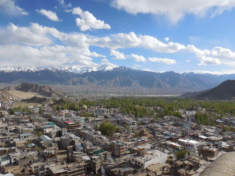 Opinión J&K, la India de la ciudad de Leh foto de archivo