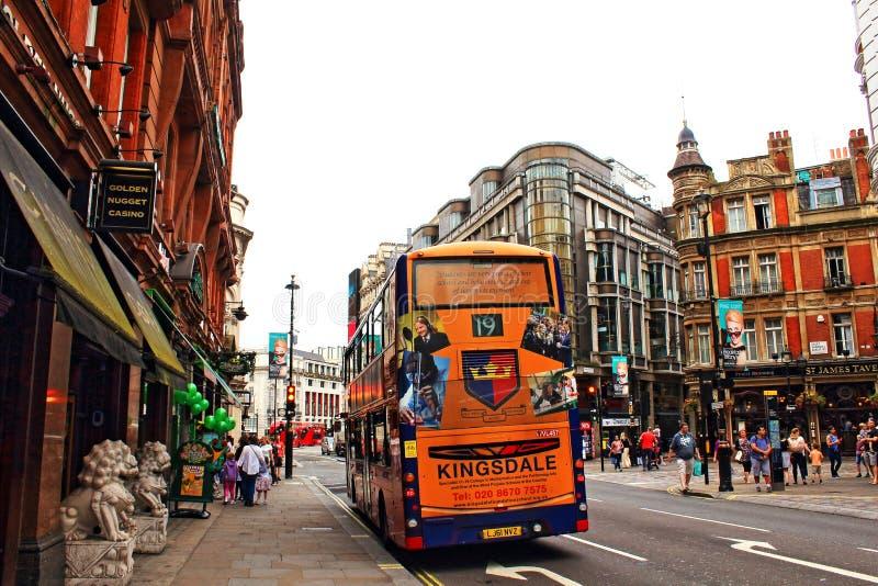 Opinión Londres Reino Unido de la avenida de Shaftesbury imagen de archivo libre de regalías