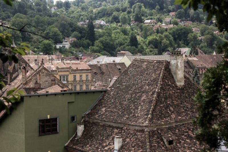 Opinión medieval de la calle en la ciudadela de Sighisoara, Rumania imágenes de archivo libres de regalías