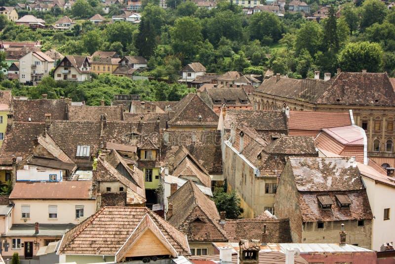 Opinión medieval de la calle en la ciudadela de Sighisoara, Rumania fotos de archivo libres de regalías