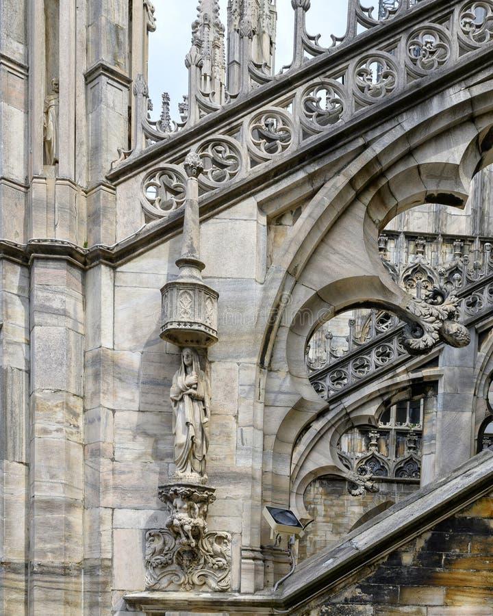 Opinión Milan Cathedral del tejado o di Milano, la iglesia del Duomo de la catedral de Milán, Lombardía, Italia foto de archivo