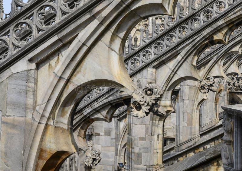 Opinión Milan Cathedral del tejado o di Milano, la iglesia del Duomo de la catedral de Milán, Lombardía, Italia imágenes de archivo libres de regalías