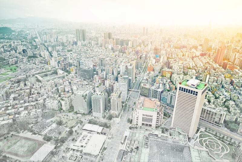 Opinión moderna panorámica del edificio del paisaje urbano de Taipei, Taiwán Ejemplo dibujado mano del bosquejo de la mezcla stock de ilustración
