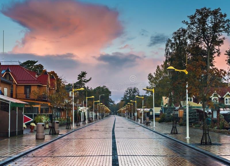 Opinión otoñal sobre el centro de Palanga, Lituania imagen de archivo