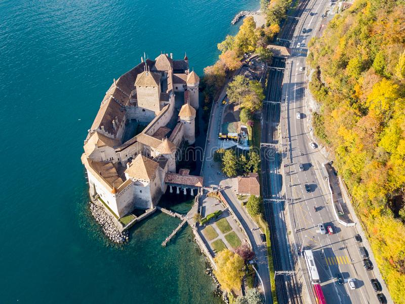 Opinión panorámica aérea Chateau de Chillon en el lago Lemán foto de archivo libre de regalías