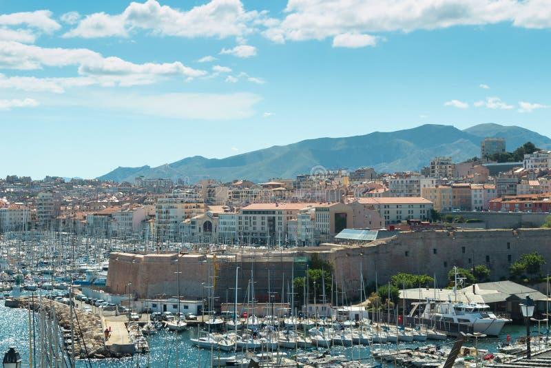 Opinión panorámica aérea sobre puerto viejo en Marsella fotografía de archivo libre de regalías