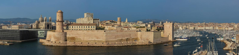 Opinión panorámica aérea sobre puerto viejo en Marsella, Francia fotografía de archivo
