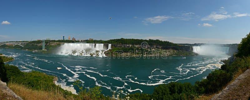 Opinión panorámica de la caída de Niagara fotos de archivo libres de regalías