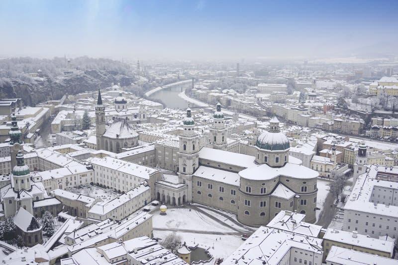 Opinión panorámica de la catedral de Salzburg fotografía de archivo libre de regalías