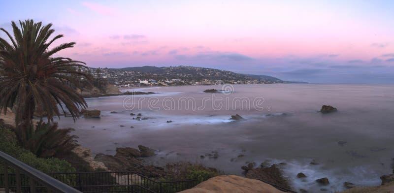 Opinión panorámica de la puesta del sol de la playa principal imagen de archivo