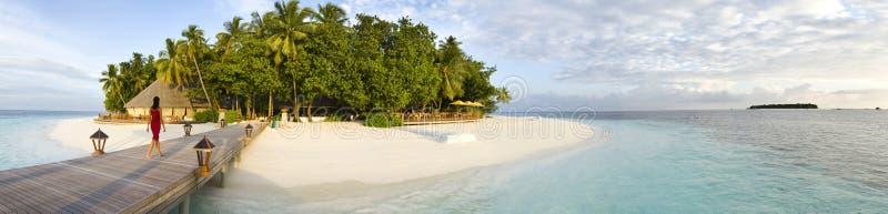 Opinión panorámica de Maldives de la isla de Ihuru en la mañana imágenes de archivo libres de regalías