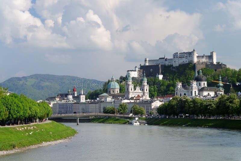 Opinión panorámica de Salzburg imágenes de archivo libres de regalías