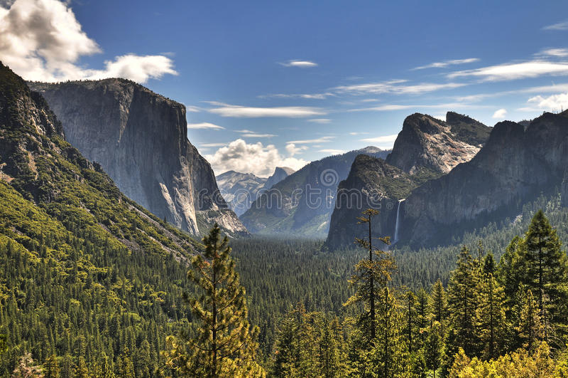 Opinión panorámica de Yosemite imagen de archivo libre de regalías