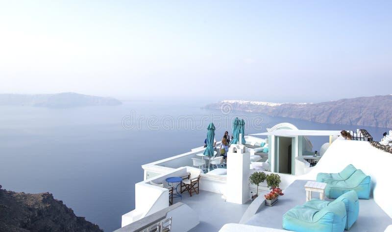 Opinión panorámica del mar de Thira Isla de Grecia Santorini en Cícladas fotos de archivo