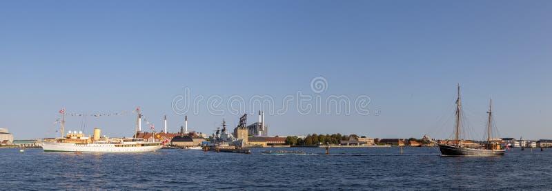 Opinión panorámica del puerto de Copenhague foto de archivo