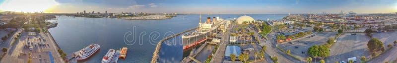 Opinión panorámica maravillosa Queen Mary del aire, Long Beach, fotos de archivo