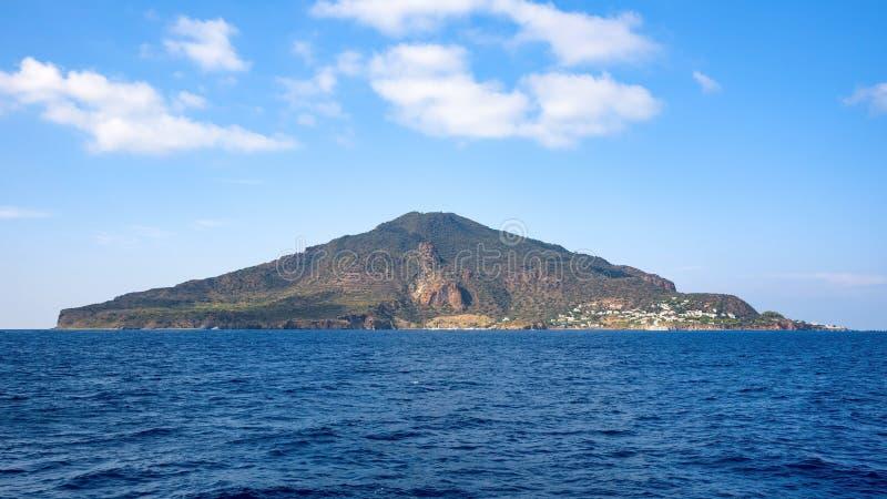Opinión panorámica Salina Island fotos de archivo libres de regalías