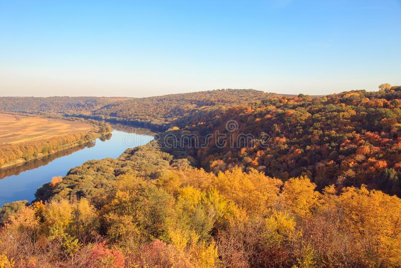 Opinión panorámica sobre el río Nistru en la ciudad de Soroca el otoño, Mol foto de archivo libre de regalías