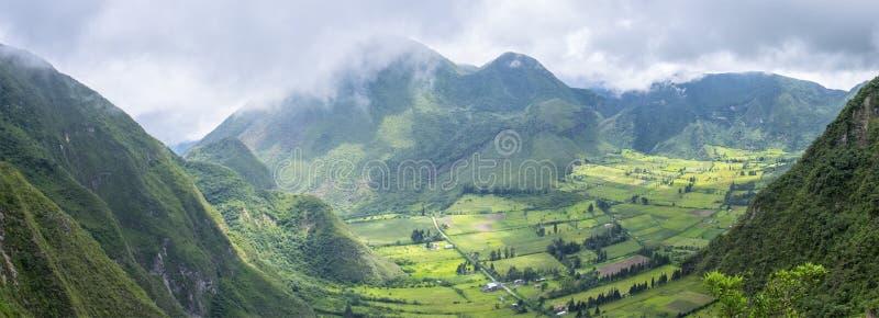 Opinión panorámica Volcano North inactiva de Quito, Ecuador fotos de archivo libres de regalías