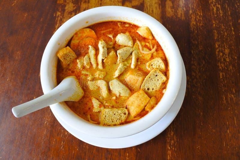 Opinión plana de la endecha del plato malasio tradicional del laksa del curry foto de archivo libre de regalías