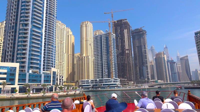Opinión que sorprende sobre el horizonte céntrico de Dubai, Dubai, United Arab Emirates 2018 foto de archivo