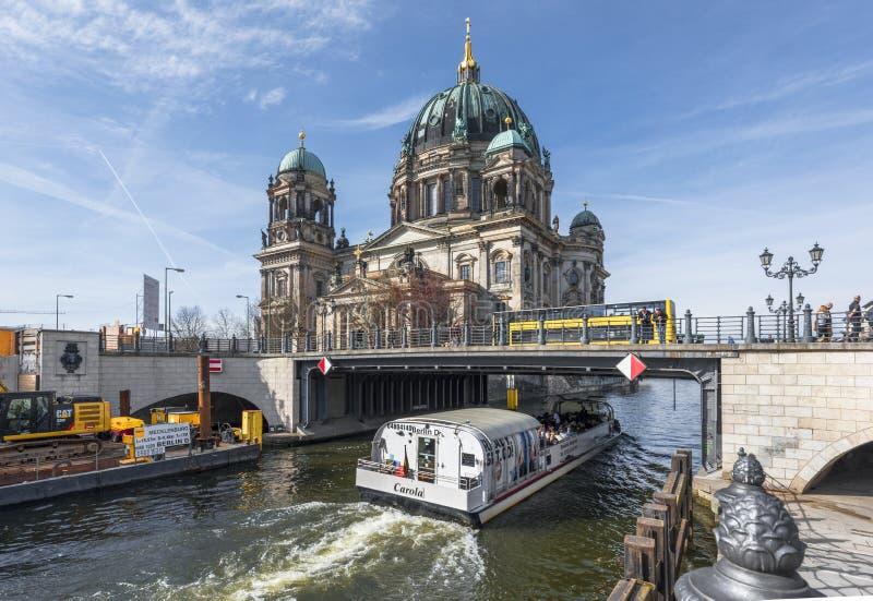 Opinión sobre Berlin Dom imagenes de archivo