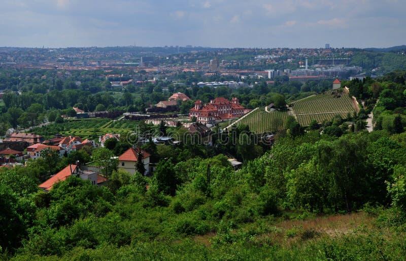 Opinión sobre el castillo francés de Troja en Praga en República Checa imágenes de archivo libres de regalías