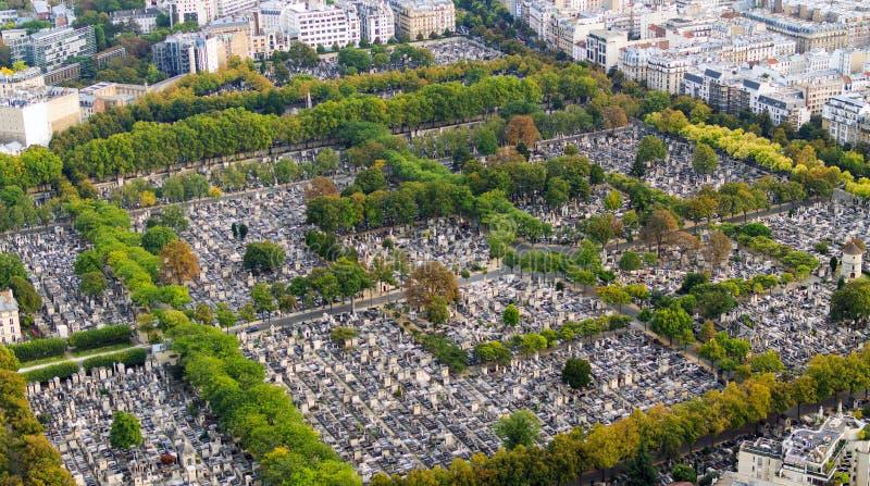 Opinión sobre el cementerio de Montparnasse imagen de archivo