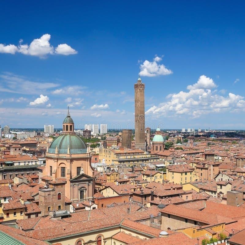 Opinión sobre el centro histórico de Bolonia, Italia foto de archivo