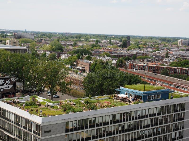 Opinión sobre el jardín De Dakakker del tejado en Rotterdam imagen de archivo