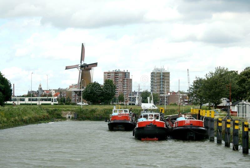 Opinión sobre el molino de viento de Schiedam imagenes de archivo