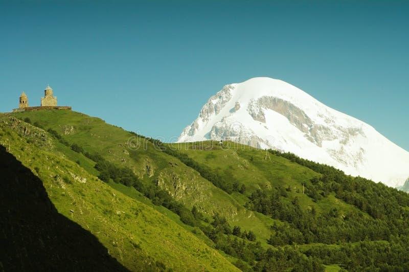 Opinión sobre el montaje Kazbek, el Cáucaso fotografía de archivo