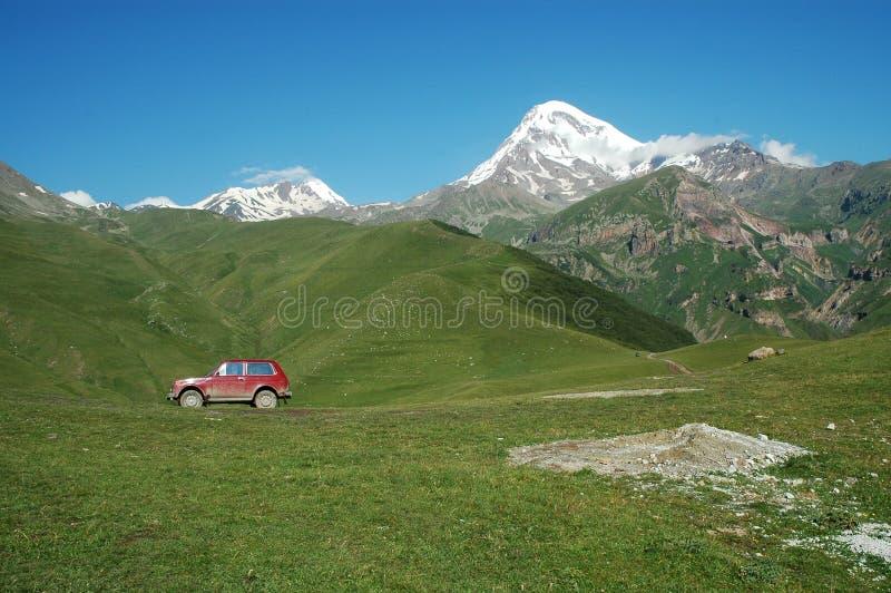 Opinión sobre el montaje Kazbek, Georgia fotos de archivo libres de regalías