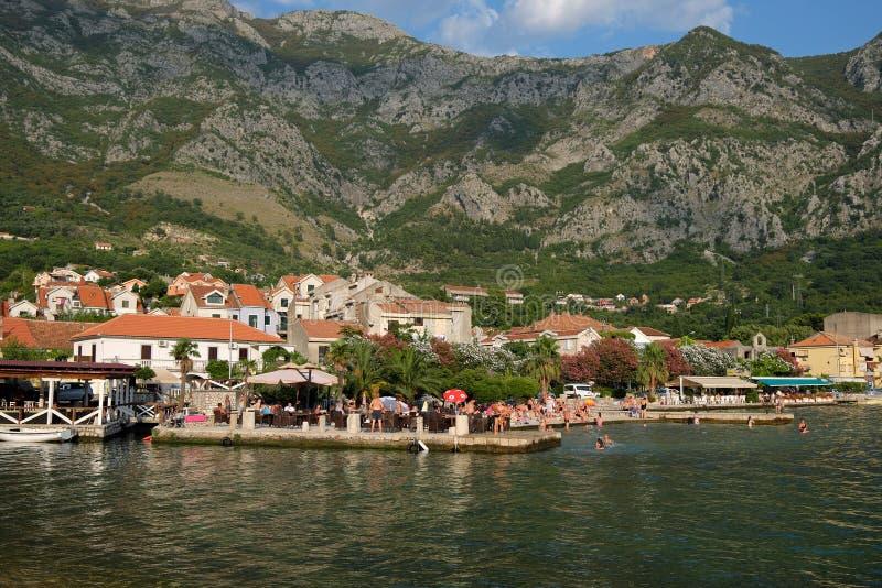 Opinión sobre la ciudad de Risan, Montenegro imagen de archivo