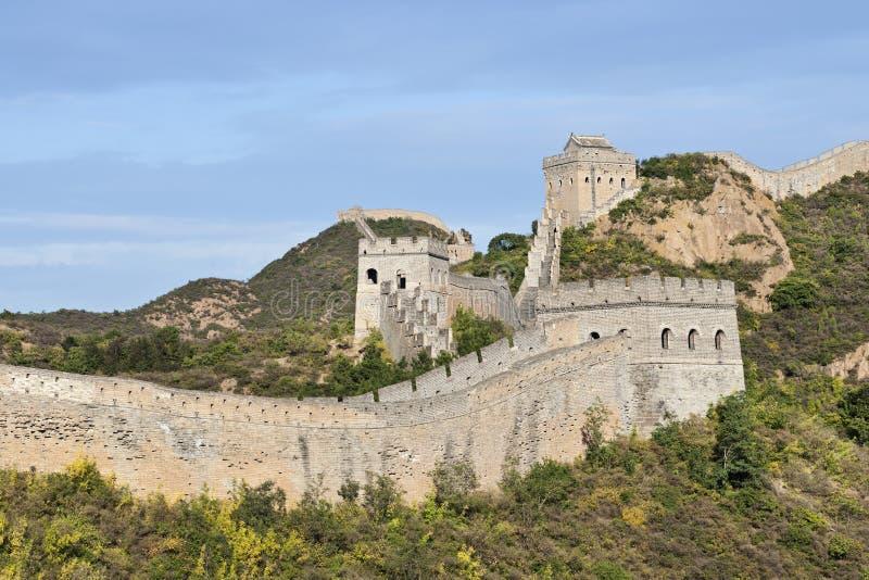 Opinión sobre la Gran Muralla majestuosa en la puesta del sol en Jinshanling, noreste de Pekín imagen de archivo