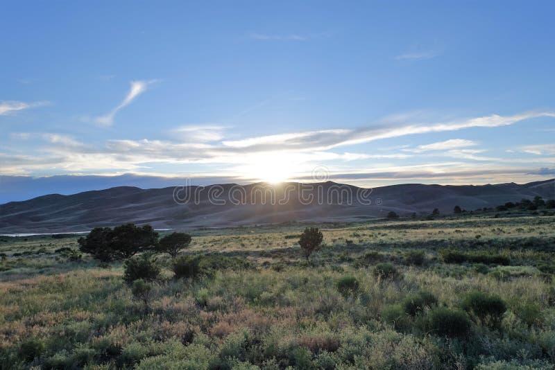 Opinión sobre la gran puesta del sol de Colorado de las dunas de arena imagen de archivo libre de regalías