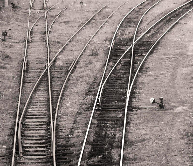 Opinión sobre pistas de un ferrocarril imagenes de archivo
